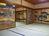 *美しい大広間の襖絵