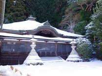 *【冬の高野山】美しい雪景色をお楽しみください。