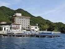 鳴門海峡に面する福良湾がすぐ