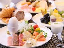 旬の食材をちりばめたお料理でおもてなしいたします【2階 ALL DAY DINING MEM】