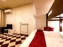 302号室◆落ち着いた雰囲気の中に気品を感じるクラシックカラーのお部屋