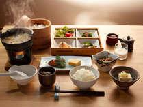 釜戸で炊いたコシヒカリと新潟のご飯のお供。