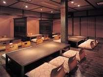 【施設】お食事は、料亭『蔵』にて 写真は座敷。テーブル席の場合もあります