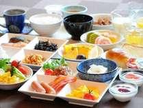 元気をチャージ!!栄養満点の朝食バイキング一例