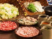 冬はお出汁と食材が選べるお鍋も食べ放題