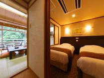 全和洋室が高級ベッドメーカーのシモンズ社製ベッド