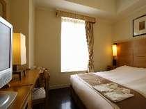 ベッド幅も広々のセミダブルルーム,東京都,ホテルモントレ ラ・スールギンザ