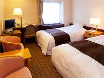 [部屋] ツインルームAタイプ/21平米・WI-FI接続フリー・機能的で快適な寛ぎの空間。