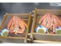 鵜の浜温泉の塩辛い温泉で炊き上げた温泉蟹蒸し