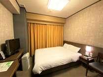 ◆ダブルルーム 15平米 トイレ、シャワーブース付