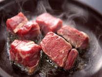 お魚が苦手な人には、お肉料理を!!
