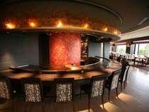 ■鉄板焼 レストラン『 舞浜Teppanyaki+ 』 シェフが目の前で調理してパフォーマンスを披露!