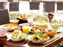■おいしい朝食で元気をチャージ♪:当日の朝食会場はチェックイン時にご確認下さい ※イメージ