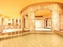 ■別館OASIS内にある舞湯 は大理石の広いお風呂。タオル等の備品もご用意しております。