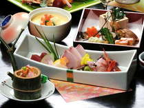 四季折々の旬の素材をお楽しみいただける多彩な会席膳をご賞味下さい♪季節の会席料理【松】コース