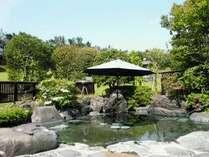 ◆庭園露天風呂「堀の湯」◆ 山紫苑名物の庭園露天風呂です!