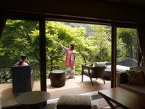 【夏のご滞在】水と緑を近くに感じる大谷山荘。手足を延ばして夏の休日をご満喫くださいませ