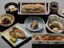【深志楼】地元の旬の食材を使用した四季折々の会席料理をご堪能ください。