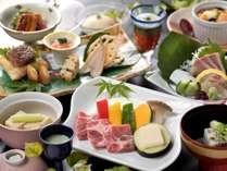 ジューシーな若楠ポークの陶板焼をメインに佐賀の旬を味わう夏会席。(写真は6/3~9/1のお料理)
