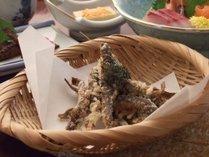 郷土料理の一品。どじょうの唐揚げです!