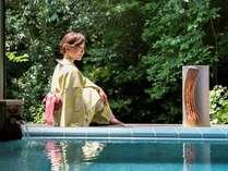 【山百合】タイルの露天風呂となっています。