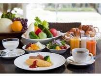農園直送のこだわり野菜、シェフが目の前で作るふわふわオムレツなど、こだわりいっぱいの朝食ビュッフェ♪