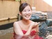 女性でも安心して露天風呂へ入れるように、露天風呂ウェアー「ゆゆぎ」をお渡ししてます!