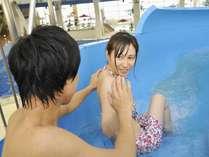【WaterLand】「ウォータースライダー」流れに任せてプールへダイブ!