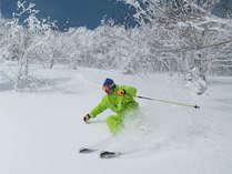 【サホロリゾートスキー場】とかち晴れの下、スキー・ボードを楽しもう