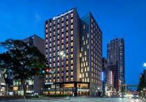 京成線千葉中央駅東口ロータリー目の前すぐ(徒歩1分)。JR千葉駅より徒歩約8分。