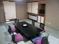 和室12畳のお部屋の一例になります。