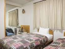 *4ベッドルーム/洋室を2間つないだお部屋。4名様までご利用いただけます。