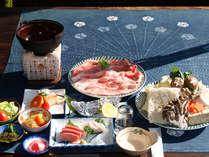 *ご夕食一例 しゃぶしゃぶ御膳 敷地内レストランにてお召し上がりください♪