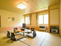 *【客室例】温かみのあるゆったりとした和室。足を伸ばしてお寛ぎください。