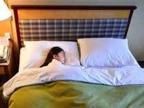 ツインでもお子様が添い寝されてもゆったりとした広さ(添い寝はベッド1台あたり1名まで)