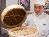 ブラスリー・ミリーラフォーレ 朝食バイキング】重慶飯店の点心も人気料理のひとつ