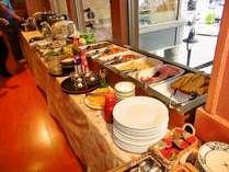 元気な一日の始まりはたっぷりの朝食から!