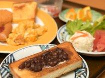 朝食バイキング 盛付 名古屋の朝の定番小倉トーストも作れます