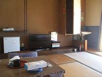 客室例(和室4.5畳~8畳)のんびりとお寛ぎ下さい。