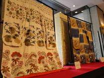 【季節のロビー装飾でお出迎え】(1月)日本刺繍で和の心を