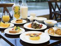 自慢の朝食で優雅な一日のスタート