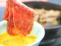 甘辛いタレ、近江牛の旨味、まろやかな卵がベストマッチ!口の中に旨みが広がります♪