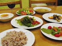 美味しいお米と地元野菜たっぷりのフルコースディナー