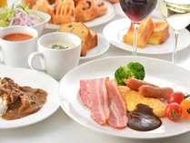 【メインダイニングFOUR POINT】和洋中ホテルメイド朝食ブッフェ
