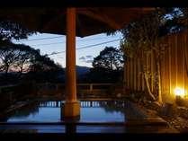 露店風呂・木洩れ日の湯