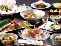 月替りの花開席料理の一例 贅をつくしたお料理の数々をお楽しみください。