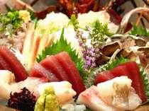 湯河原の新鮮「桶盛り」付き♪地産の美味をお召し上がりください。