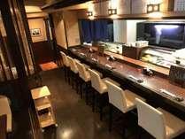 徒歩2分の系列レストランで新鮮な寿司懐石もお召し上がり頂けます。朝4時まで営業中です