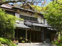 日本の伝統、数寄屋造りの純和風旅館