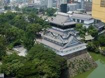 小倉城は、城の石垣は切り石を使わない野面積みで、素朴ながらも豪快な風情にあふれています。